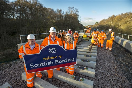 cllr-parker-ken-macgillivary-tracey-logan-and-the-borders-railway-rail-installation-team
