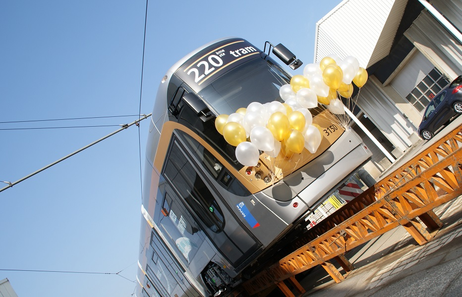 Handover of the last of 220 FLEXITY trams for STIB