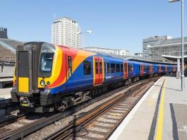 Class 450 at Waterloo
