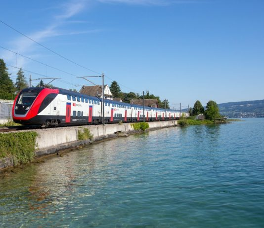 BAV issues operating licence to TWINDEXX double-deck trains